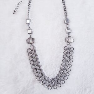 New, never worn beautiful silver necklace